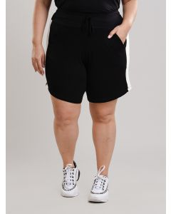 Short Feminino Plus Size Malha - Preto e Branco